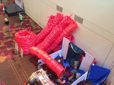 The gigantic balloon sculpture is coming along. Apparently he's going for a world record. Which record he's going for and what the final sculpture will be of, I still have no idea.